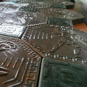 Мрамор из бетона отделочные материалы тротуарный,  фасадные плитки.