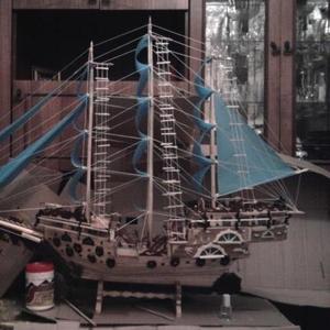 Продам деревянный корабль
