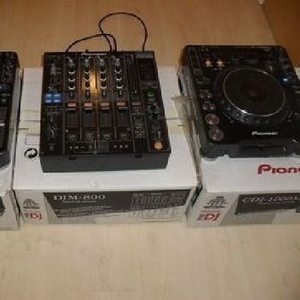 2x PIONEER CDJ-1000MK3 & DJM 800