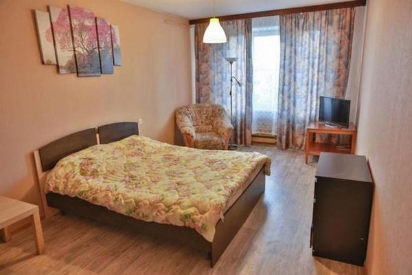 1-комнатная посуточно,  Абая 134