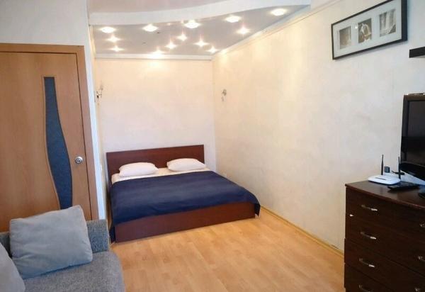 1-комнатная посуточно,  1 микрорайон 19 дом