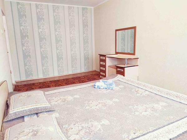 2-х комнатная посуточно в 3 микрорайоне 4