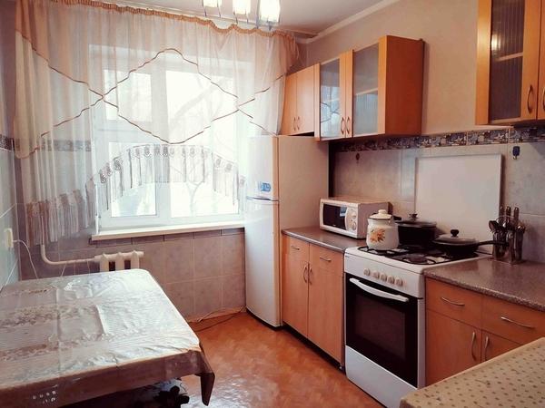 2-х комнатная посуточно в 3 микрорайоне 7